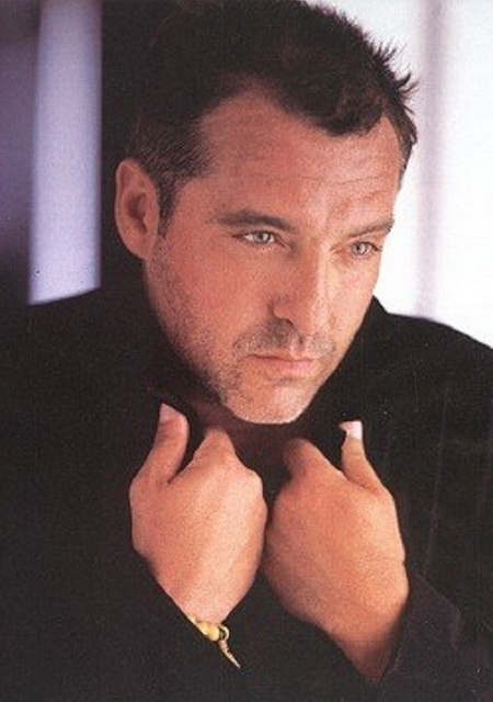 Tom Sizemore - man with big dick