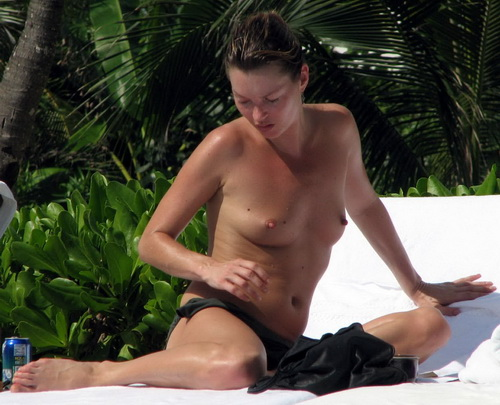 Kate Moss and her nice tits - Celebrity Nude Pics