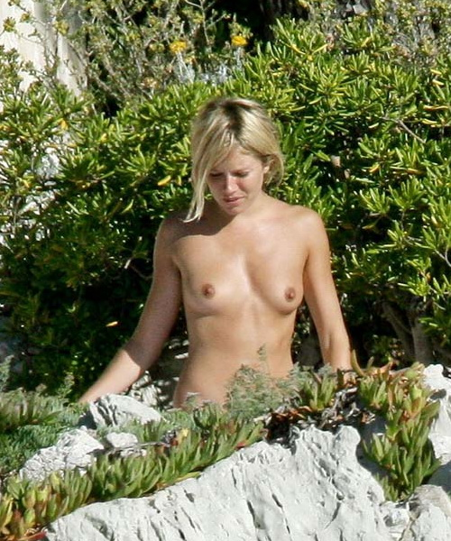 Sienna Miller - a lover to pose nude